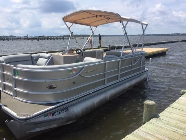 Island Hopper Pontoon Boat Excursions